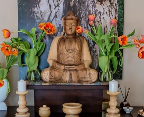 Altar. Kwan um Zen School Europe Zen Center Vienna. Foto: © Jan Sendzimir 2015.